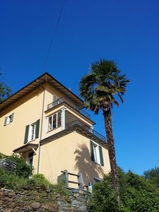 Art Nouveau villa with pool, garden, barbecue, WiFi, breathtaking views, close to town