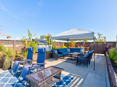 Photo for Enjoy MODERN Luxury with AMAZING Rooftop Terrace in Central Vancouver