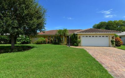 Photo for Beautiful lake front home with Pool in close distance to Siesta Key Beach