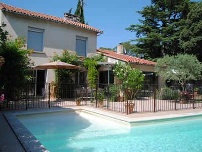 Photo for Villa of character with swimming pool, 3 bedrooms, 5min from Avignon