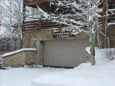 Entry to the lodge.