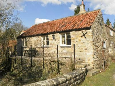 Photo for BECKSIDE, luxury holiday cottage in Lastingham, Ref 1293