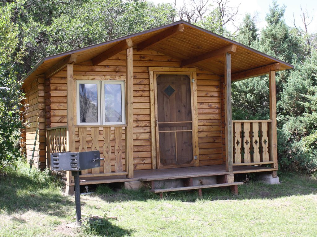Rustic cabin in majestic mountain setting minutes from for Cabins for rent near vail colorado