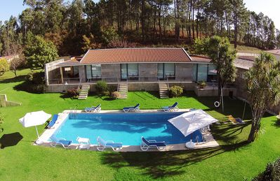 Photo for 6 bedroom Villa, sleeps 12 in Rodízio with Pool and WiFi