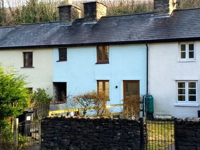 The Old Weaver's Cottage. Traditional Welsh Cottage with woodburner and garden.