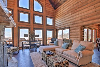 Inject some luxury to your next family getaway at this vacation rental cabin!