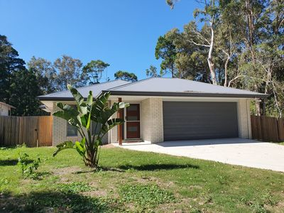 Photo for 26 Satinwood Drive- Low set modern, sleeps 8