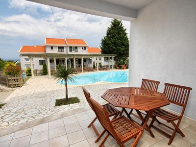 Photo for One bedroom apartment with terrace Kampor (Rab)