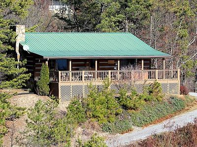 Photo for Bears Paws Private and secluded cabin covered deck, fabulous panoramic views.