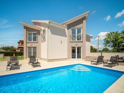 Photo for Vacation home Villa Gocci  in Umag, Istria - 8 persons, 4 bedrooms