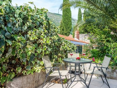 Photo for Ground floor apartment centrally located, hidden fenced garden, private terrace