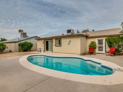 Photo for Paradise Valley Vacation Home-Close to Everything!!