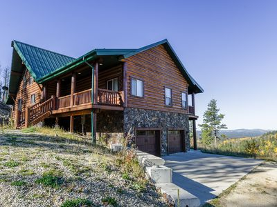 Breathtaking Views Overlooking Spearfish Canyon on 4 Acres close to Trails!