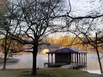 Spring is here! Lake, firepit,  kayaks, grill...lots of space to hang out.