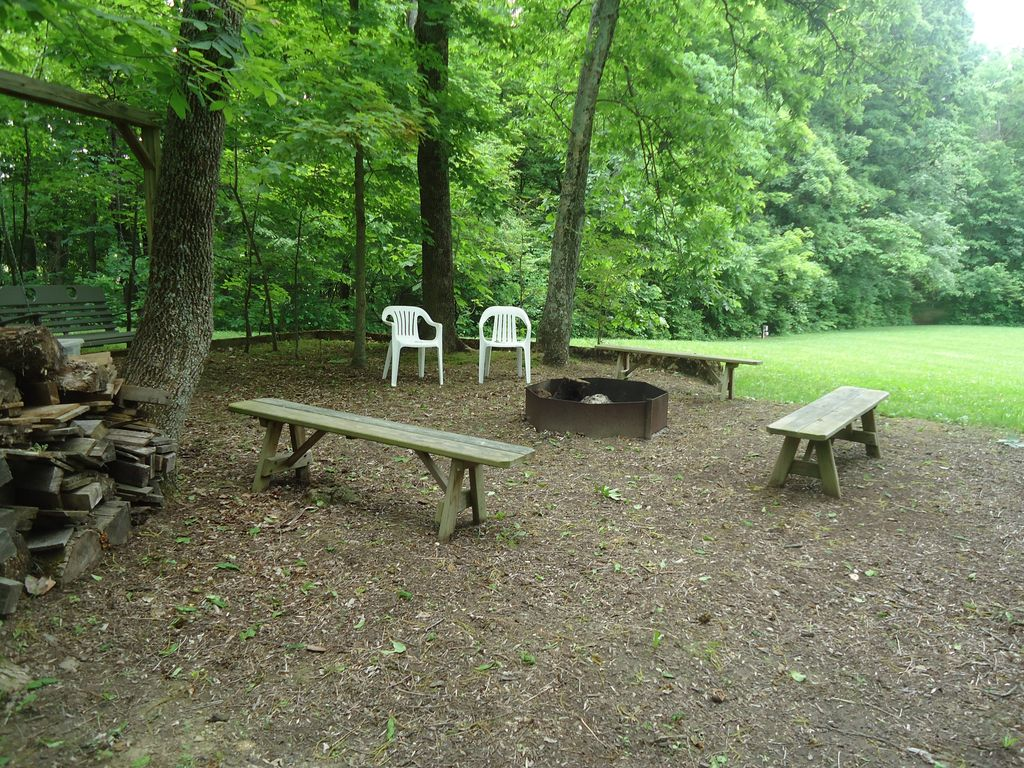 Peaceful country setting, close to Old Mans Cave attractions.