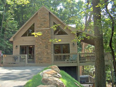 Photo for Upscale Log Cabin w/ Hot tub,Pet friendly, game room, WIFI, Outdoor fireplace, Corn Hole