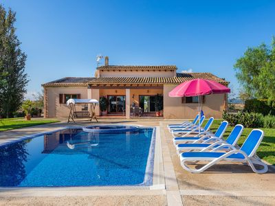 Photo for Pool with Jacuzzi and large garden - Villa Wind