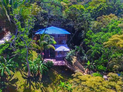 Overhead view of the Jungle Reef Inn
