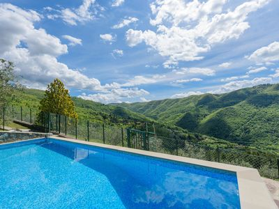 Photo for Wonderful private villa with private pool, internet, TV, pets allowed, panoramic view and parking