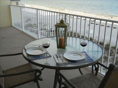 Enjoy a candlelit dinner on the balcony with a beautiful gulf view!