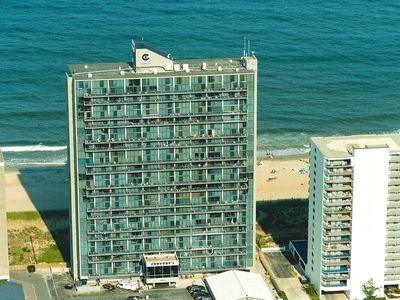 Photo for Century I 702-Oceanfront 99th St, Free WiFi, Pool, Elev, W/D, AC