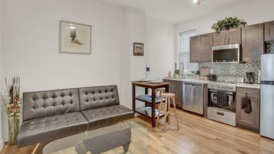 Photo for MODERN Newly Renovated 2 Bdrm Apt near Center City