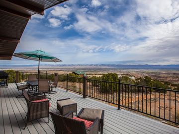 Privacy & Views, Overlook City lights, yet only 5 mi from town.