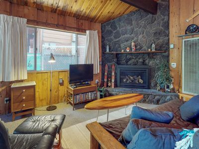 Photo for Charming cabin with forest views, free WiFi, and more!