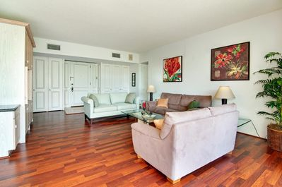 Charmant Updated, Top Floor 2 Bedroom Unit With Enclosed Lanai And Lush, Garden  Views   Waialae   Kahala