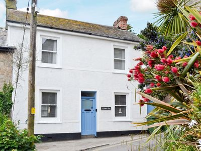 Photo for 3 bedroom property in Mousehole and Newlyn. Pet friendly.