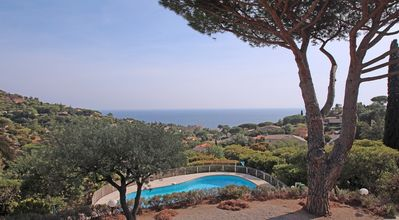 Photo for Villa 6 people - Sea view - WiFi - Air conditioning - Private pool - Les Issambres