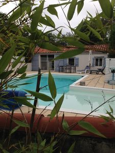 Photo for Small house with private pool in the heart of the Landes.