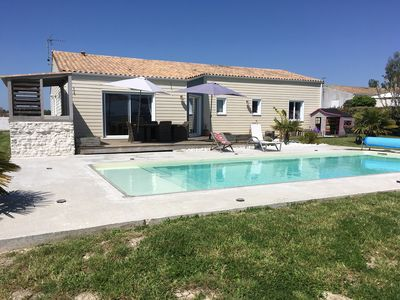 Photo for House with swimming pool tranquility near Saintes Cognac Royan ocean