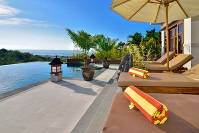 3 Bedroom Paradise With Amazing Views!
