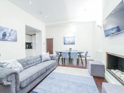 Photo for Superior Apartment in the Heart of Kensington