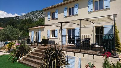 Photo for Beautiful room in Provencal villa in the heart of a wooded area