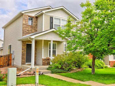 Photo for Updated Home 20min to Denver, back patio w/ gas firepit, pet friendly
