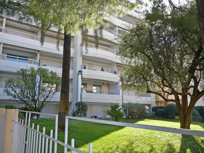 Photo for Studio apartment 180 m from the center of Cannes with Pool, Lift, Parking, Terrace (628742)