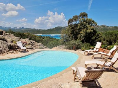 Photo for One bedroom Villa, sleeps 6 in Cala di Volpe with Pool, Air Con and WiFi