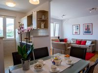 Wonderful apartment. Very comfortable accommodation and great location. Highly recommend.