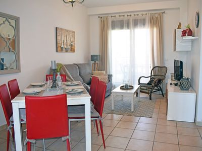 Photo for Beautiful and comfortable apartment  with communal pool in Bellreguard, on the Costa Blanca, Spain for 6 persons