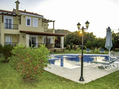 Photo for This 4-bedroom villa for up to 8 guests is located in Gerani and has a private swimming pool, air-co