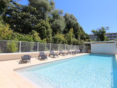 Photo for JUAN LES PINS - Lovely 2 bedroom flat, quiet, pool and close to beaches