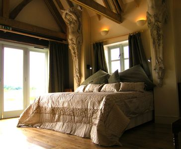 Photo for 4BR House Vacation Rental in Pulborough, West Sussex