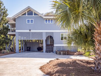 Photo for Fabulous Home on Beach Path! Sleeps 8! Distant Ocean Views! Close to Pools!