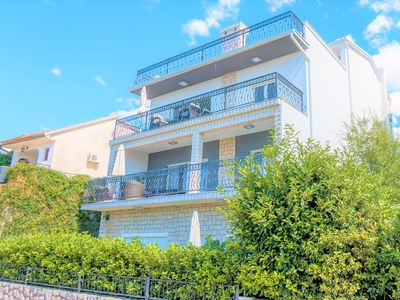 Photo for Holiday House Queens with Sea View / Apartment Queens I with Terrace