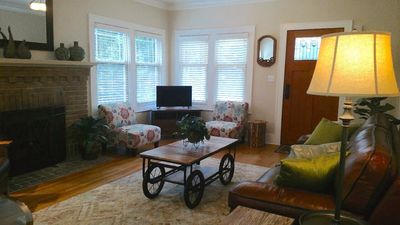 Comfortable beautiful furnishings; free wifi and cable TV with Netflix