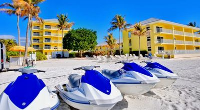 Photo for INCREDIBLE BEACH VIEW SUITE, POOL, FREE PARKING