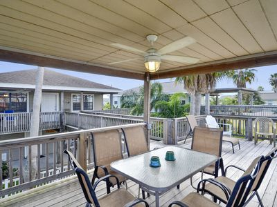 Heron's Nest-4/2 Sleeps 9 Canal home with access to boat slip!