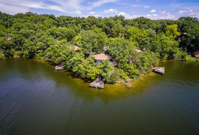 WOW Right in Trees/Octagon House On the water